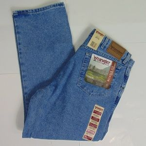 Wrangler 38 x 30 Straight Leg Rugged Wear Jeans